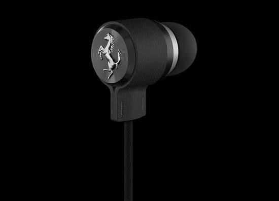 Ferrari-headphones-heritage-in-ear-hero-black_2