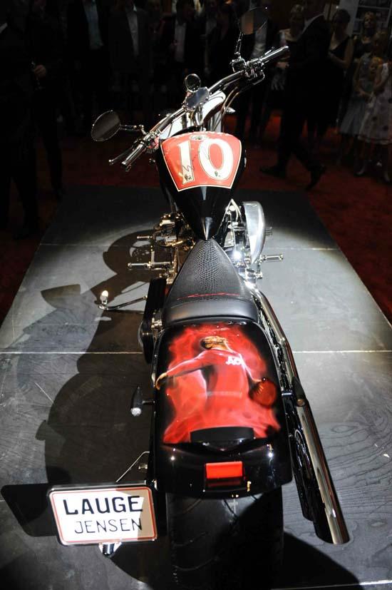 Wayne-Rooney-Motorcycle5