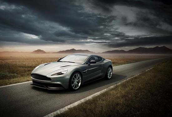 2013 Aston Martin Vanquish ( Video )