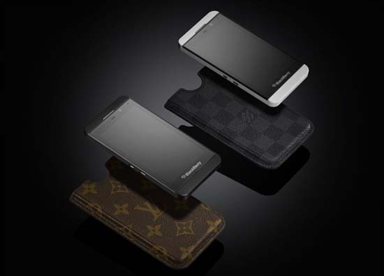 louis-vuitton-case-for-blackberry-z10-1