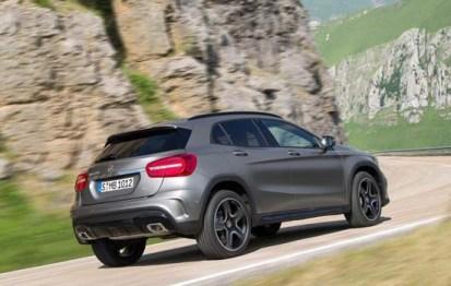2015-Mercedes-Benz-GLA-3