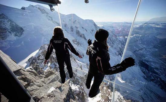 Step-into-the-Void-Chamonix-01