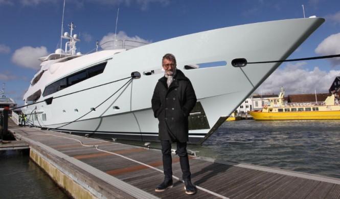 Eddie-Jordan-with-his-Sunseeker-155-Yacht-Blush