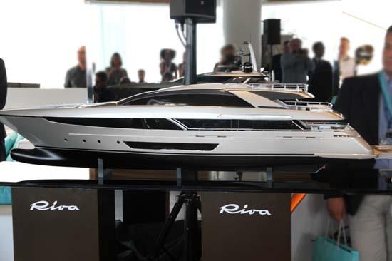 riva steel superyacht03