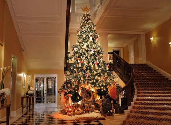dolce-gabbana-christmas-tree-2014