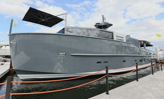 Luxury-superyacht-Arcadia-85-US-Edition-hull