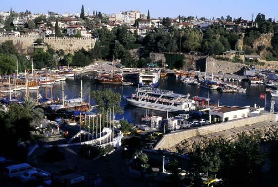 Antalya_harbour