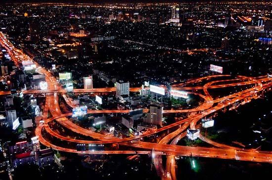 Bangkok-Thailand-Makkasan_Interchange_at_night