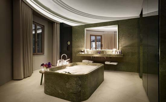 hotel_cafe_royal_dome_penthouse_bathroom