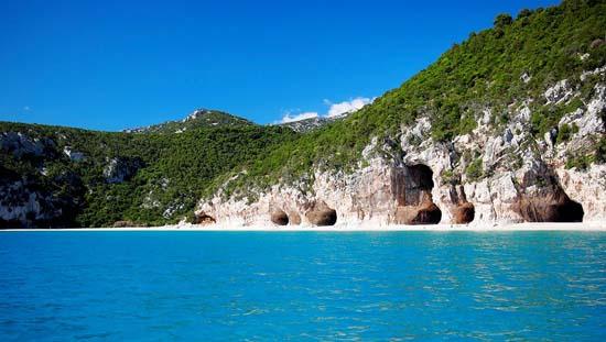 Best-beaches-in-Sardinia-Italy-Cala-Luna