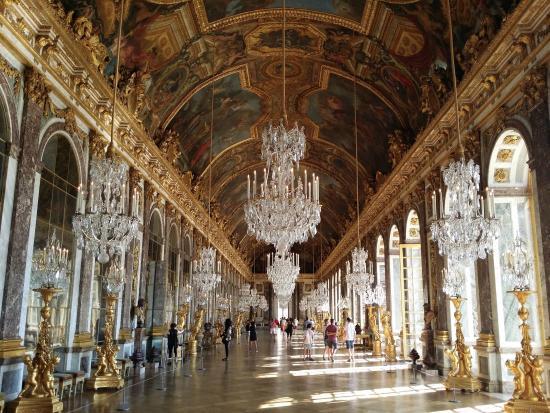 1. Chateau de Versailles - Versailles, France