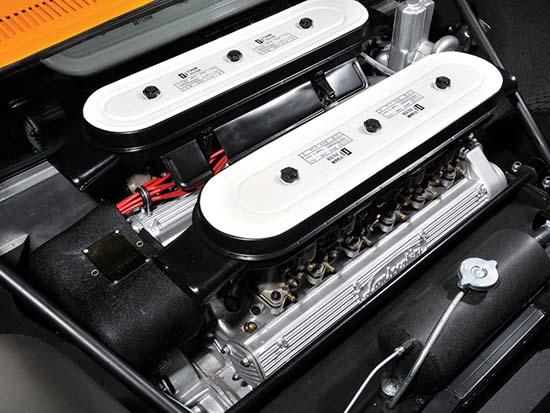 1972-Lamborghini-Miura-P400-SV-engine