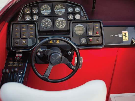 1990-riva-ferrari-32-speedboat-inside