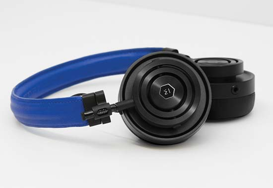 colette-master-and-dynamic-headphones-MH30