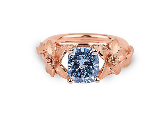 Jane Seymour Fancy Vivid Blue Diamond Ring2