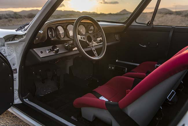 Emory Outlaw 911K interior