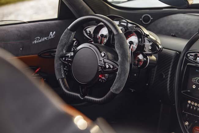 Pagani Huayra Roadster BC interior