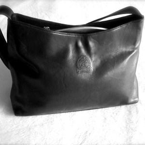 Delicato Black Leather Shoulder Bag