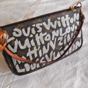 Louis Vuitton Graffiti Monogram Pochette Handbag