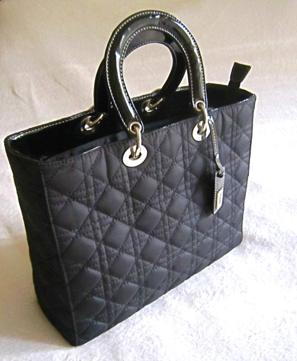 Inclosed Classic Black Quilted Handbag