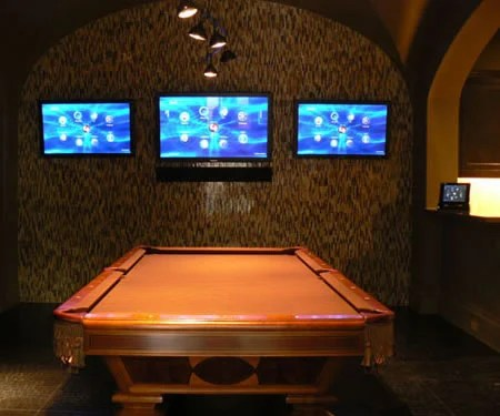 Rocking Entertainment Haven Accommodates A Sports Bar A