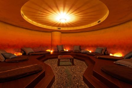 spa_Sunset_Relax_Area