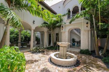 courtyard-luxury-villa-rental-miami