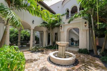 courtyard-luxury-villa-rental-miami