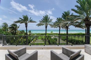 masterbedroomterrace-luxury-villa-rental-miami