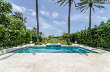 pool-luxury-villa-rental-miami