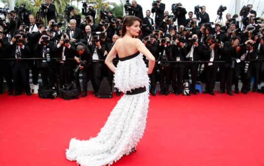 "Cannes 2014 - La montée des marches de ""Grace de Monaco"" Laetitia Casta, côté pile. Photo : SIPA"
