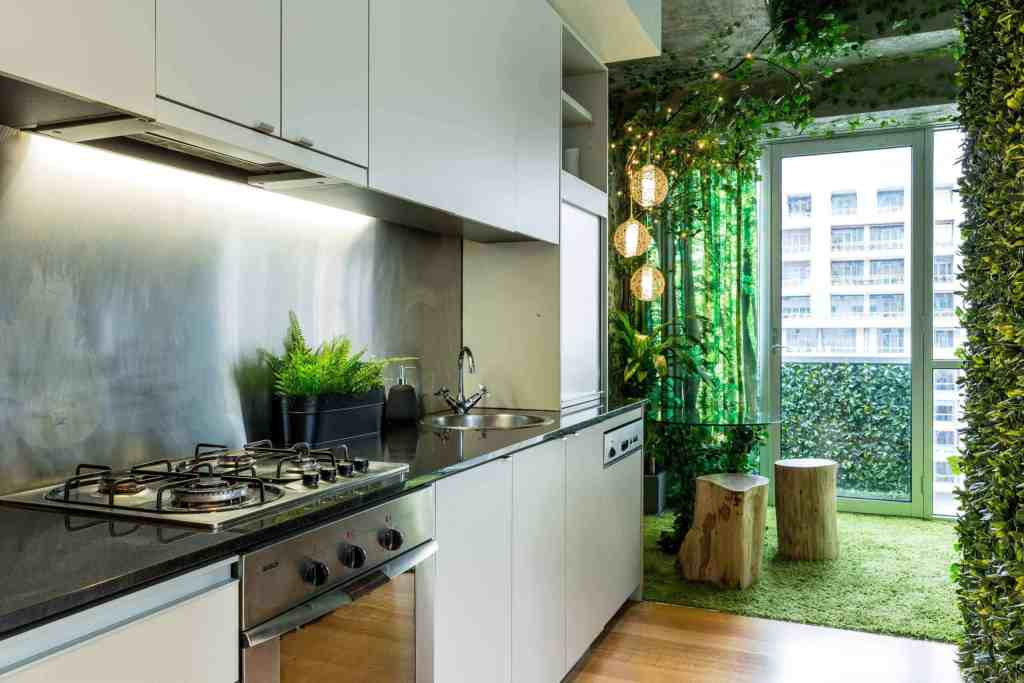 Airbnb Melbourne - Forest Themed Apartment