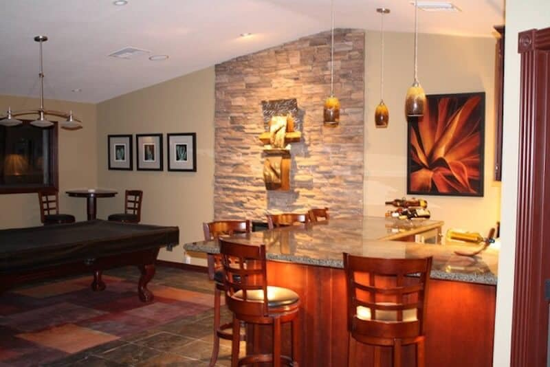 Airbnb Phoenix Pool Table & Bar - Luxury Travel Hacks