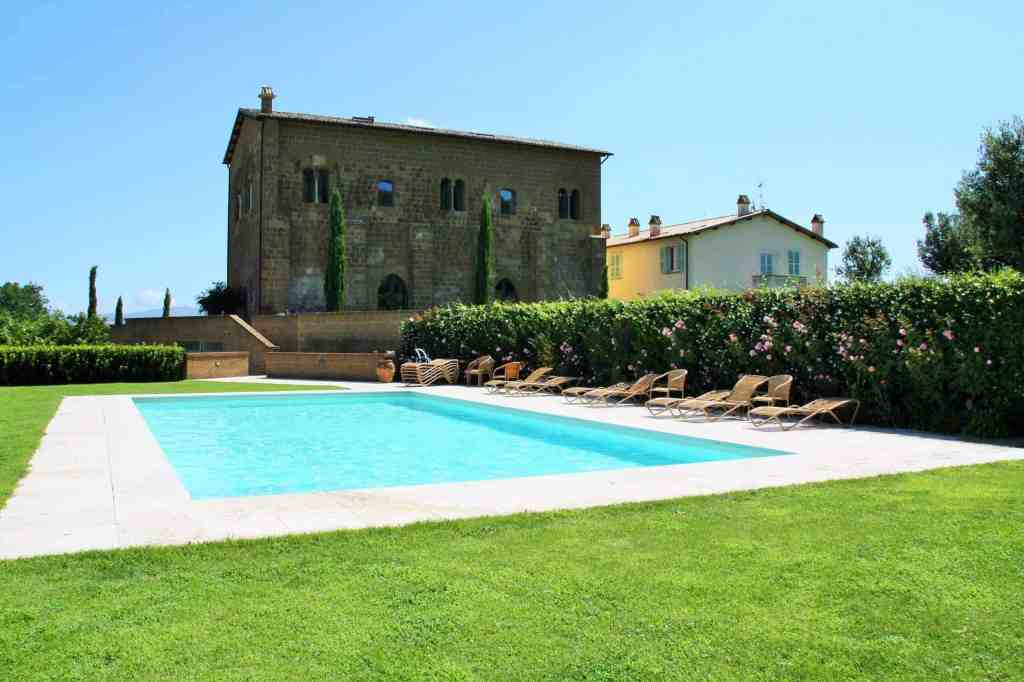 Pool Locanda Palazzone - Italy - Accommodation in Europe - Luxury Travel Hacks