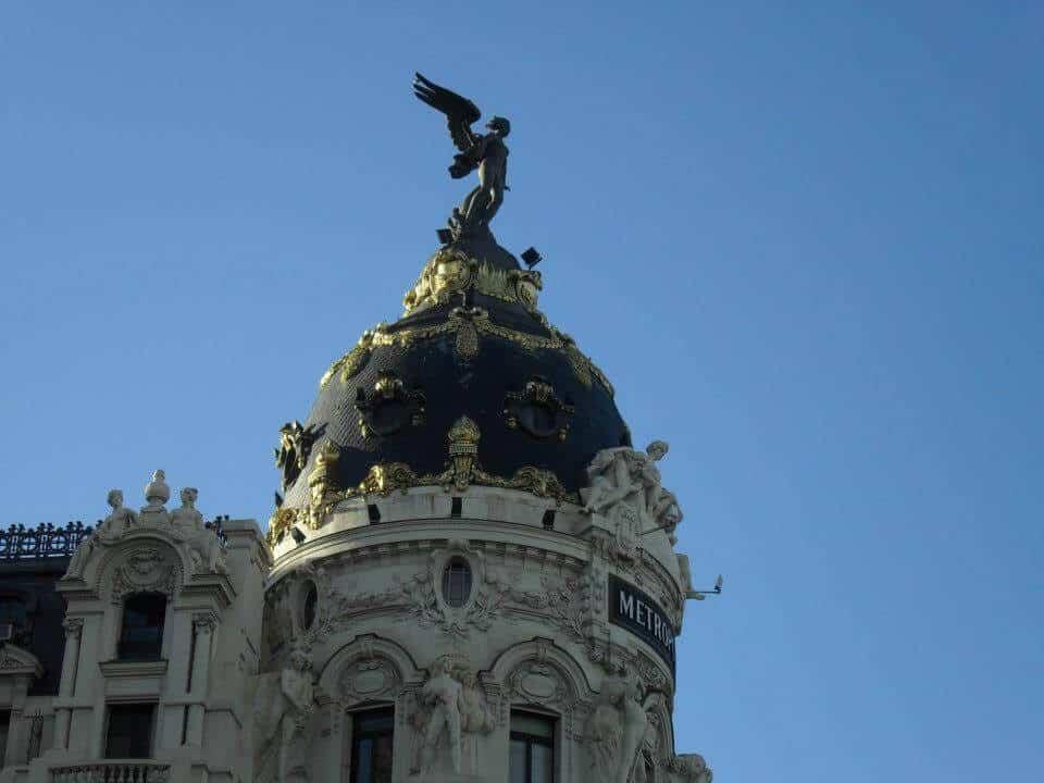 Metropolis Building - Layover in Madrid - Luxury Travel Hacks