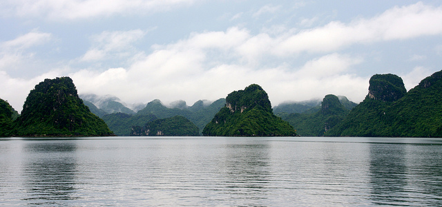 how to pick the best halong bay cruise