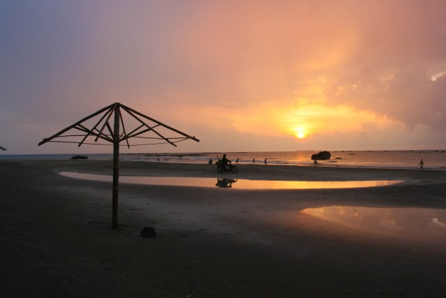 best beaches in myanmar - ngwe saung
