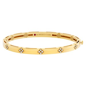Roberto Coin Verona bangle in 18k yellow gold with diamond accent
