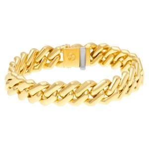 Chevron link bracelet in 18k yellow gold