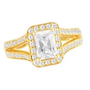 Beautiful Diamond ring in 14k yellow gold setting. 0.64 cts in diamonds. Size 7
