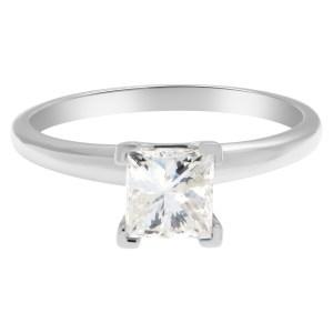 Princess cut 0.98 carat diamond ring set in 14k white gold