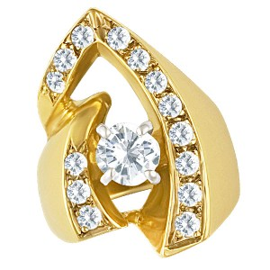Beautiful diamond cocktail ring in 14k yellow gold. Size 5.5