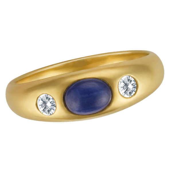 Cabochon sapphire & diamond ring in 18k yellow gold. Approx. 0.20 carats in diamonds.