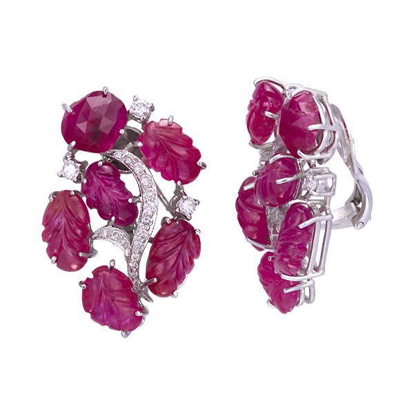 Ruby earrings with 0.67 cts in diamonds and 26.88 cts in rubies