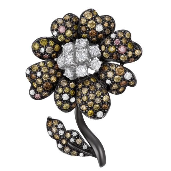 Diamond flower pin In 18k PVD