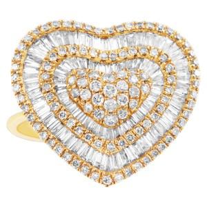 Diamond heart ring in 18K