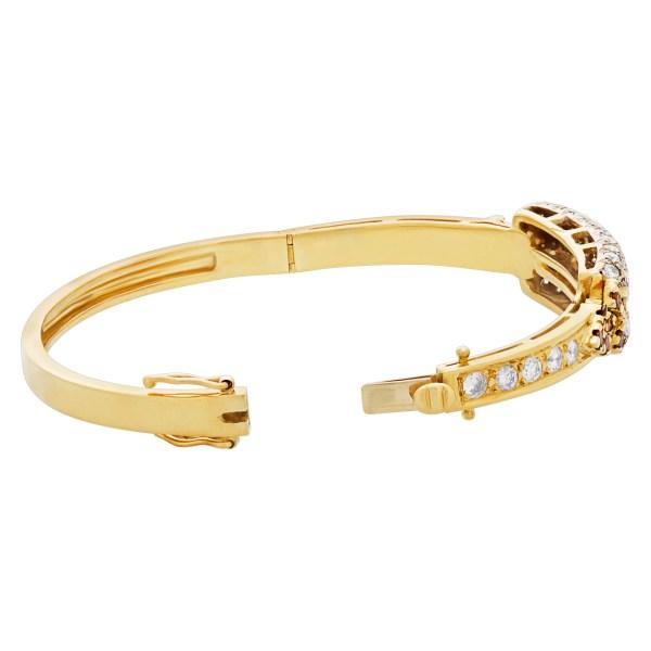 Bangle bracelet In 18K and diamonds