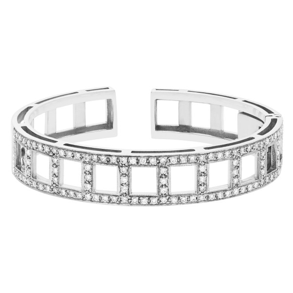 Bangle in 18K white gold with approx. 2.0 cts in diamonds