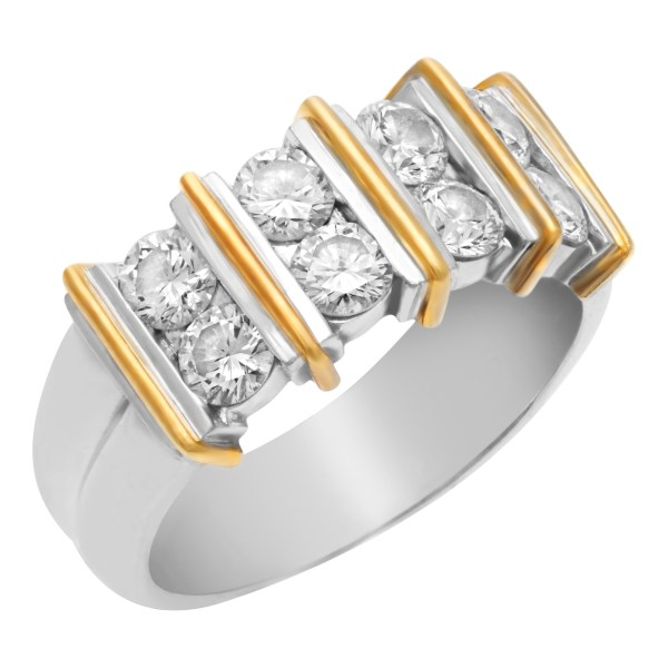 Elegant diamond ring in 18k white and yellow gold