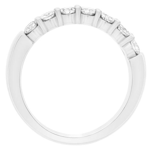 Diamond ring in 14K white gold with 7 brilliant cut white diamonds. Size 7